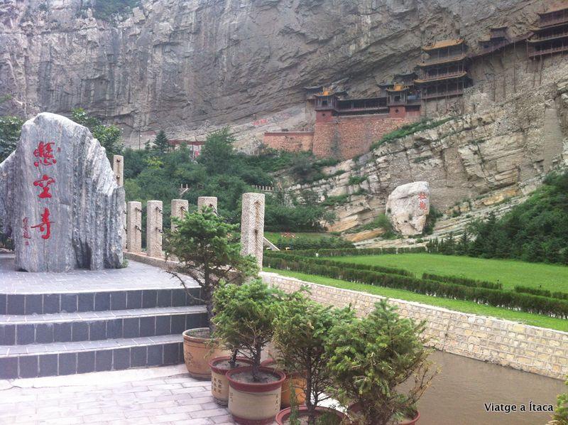 Hanging Monastery2
