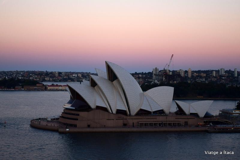 Sydney32