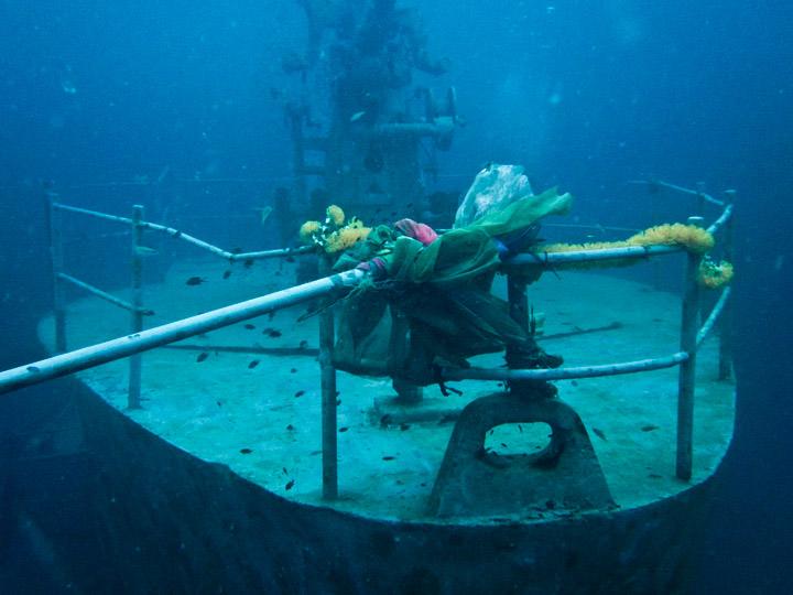 htms-sattakut-underwater